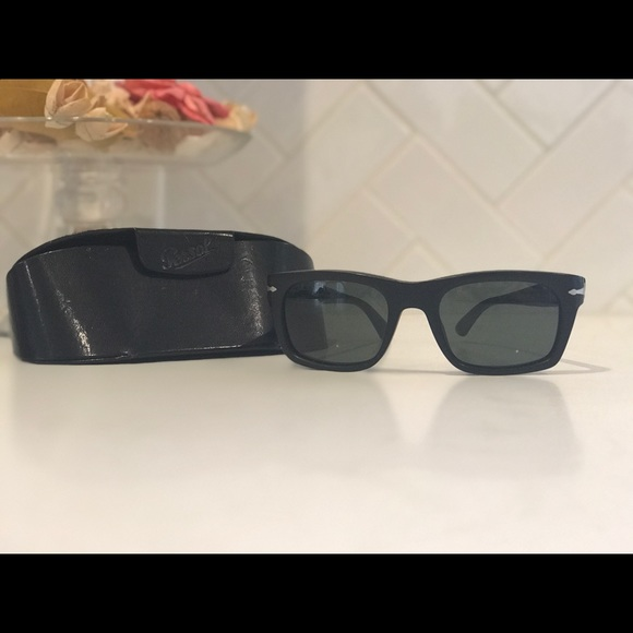 2f1a49bc6ae37 Persol Other - Persol Matte Black 3065S Sunglasses w Green Lens